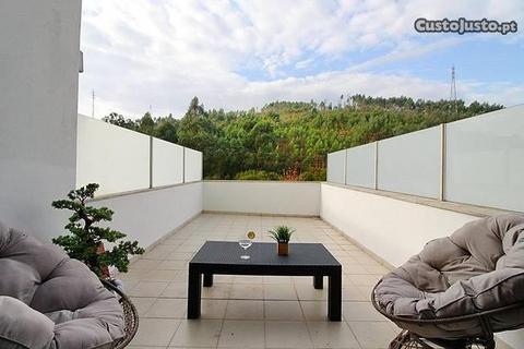 T2 de Luxo c/ 2 Terraços e Jardim Hosp. S.Martinho