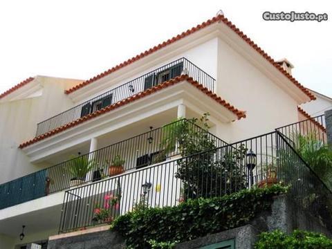 Moradia T3 Santa Cruz