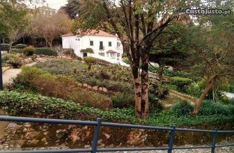 Moradia independente em Sintra - V4+1 Duplex