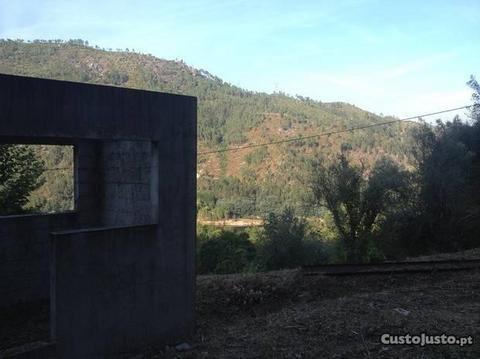 Terreno na Serra Do Gerês, Rio Caldo