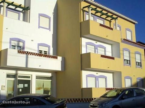 Apartamento T3 com 2 terraços, Parq. e Arrecadação